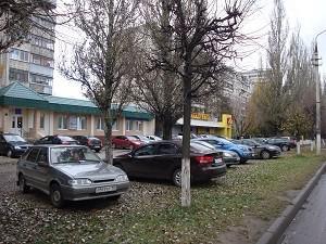 Незаконные автостоянки в Серпухове